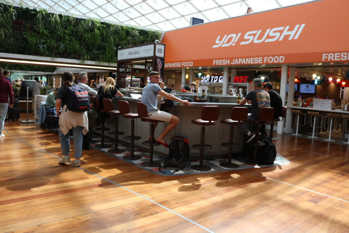 シャルル・ド・ゴール空港内 飲食店