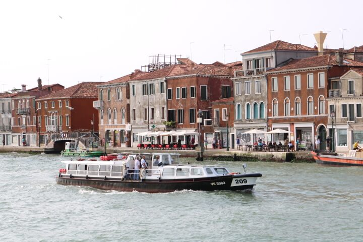 ベネチア船からの風景