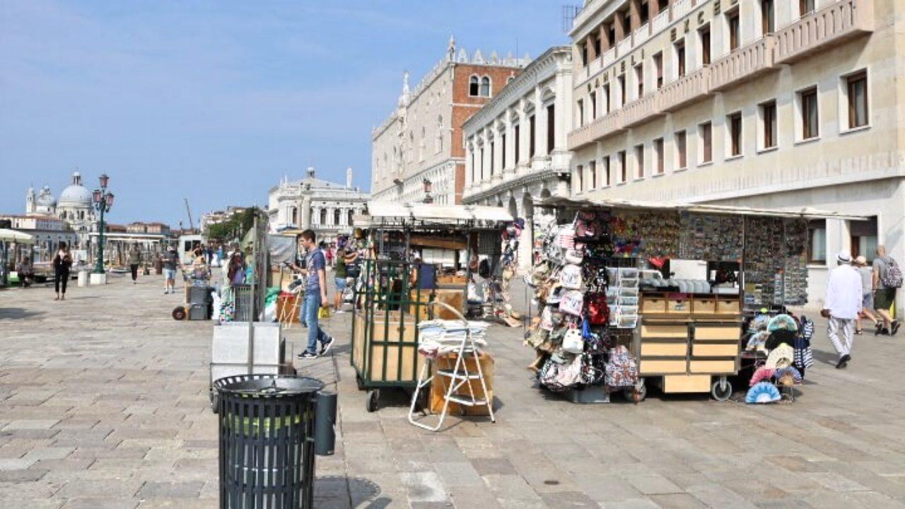 ベネチア出店