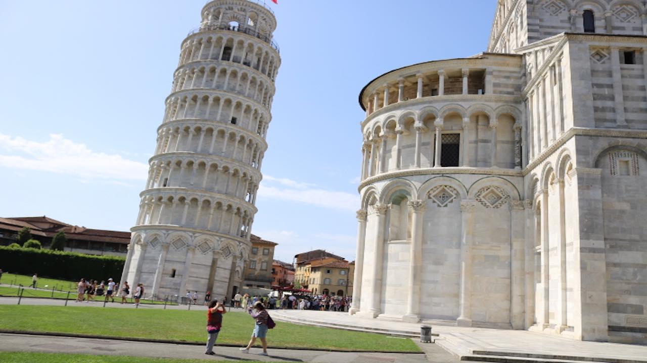 世界遺産ピサの斜塔とドゥオモ広場散策